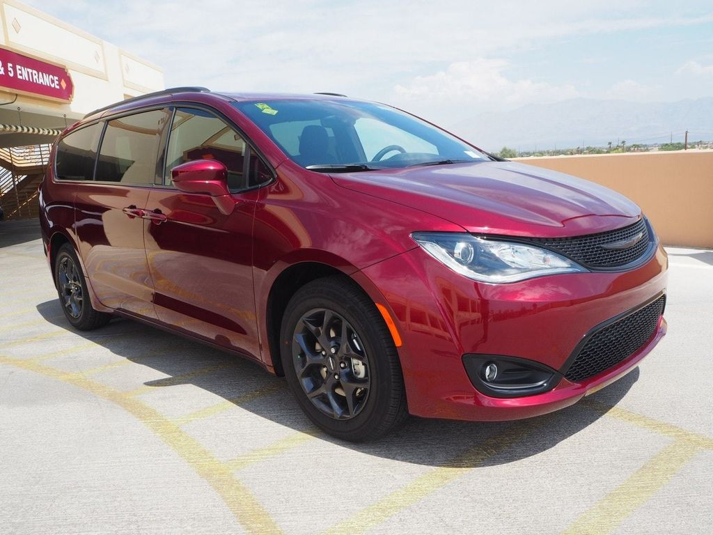 2018 Chrysler Pacifica Touring Plus FWD - 17726460 - 2