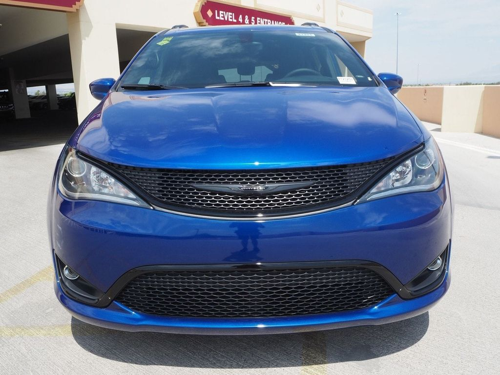 2018 Chrysler Pacifica Touring Plus FWD - 17775735 - 1