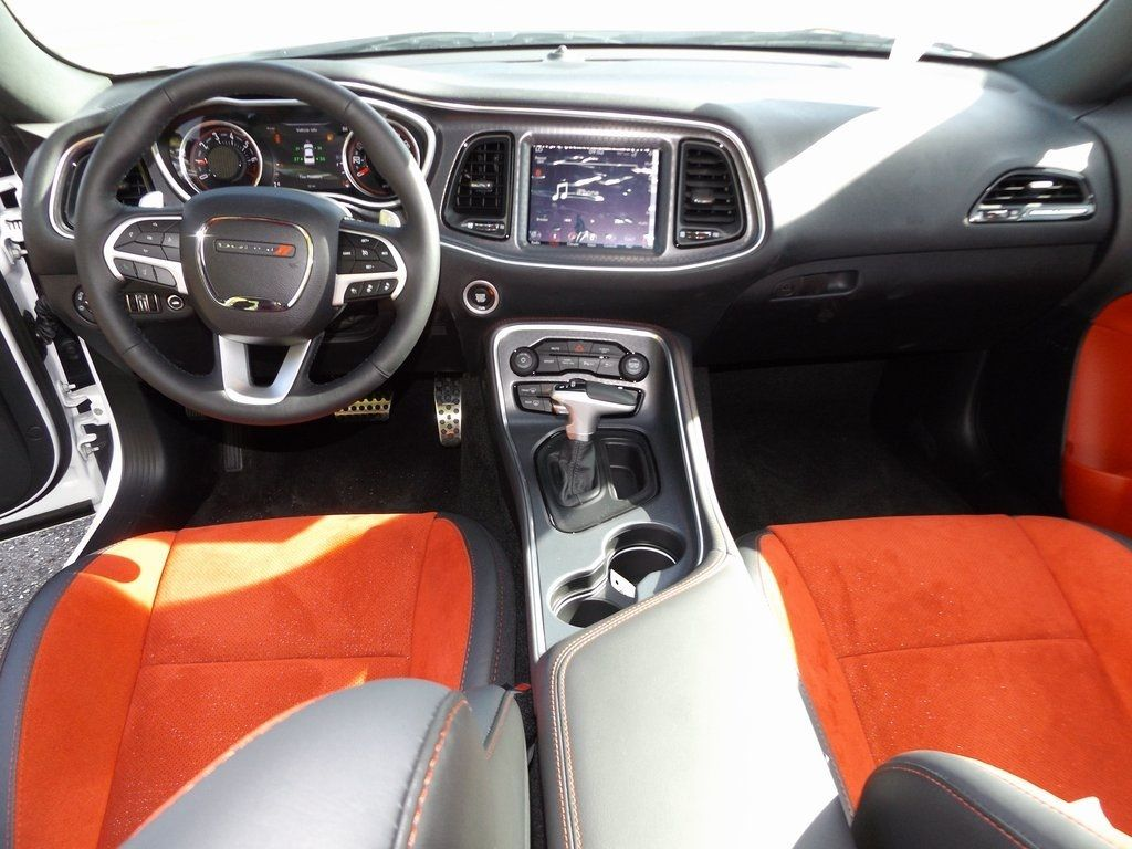 2018 Dodge Challenger SXT - 17112725 - 4