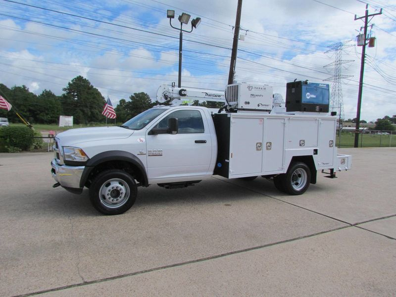 2018 Dodge Ram 5500 Mechanics Service Truck 4x4 - 17736616 - 4