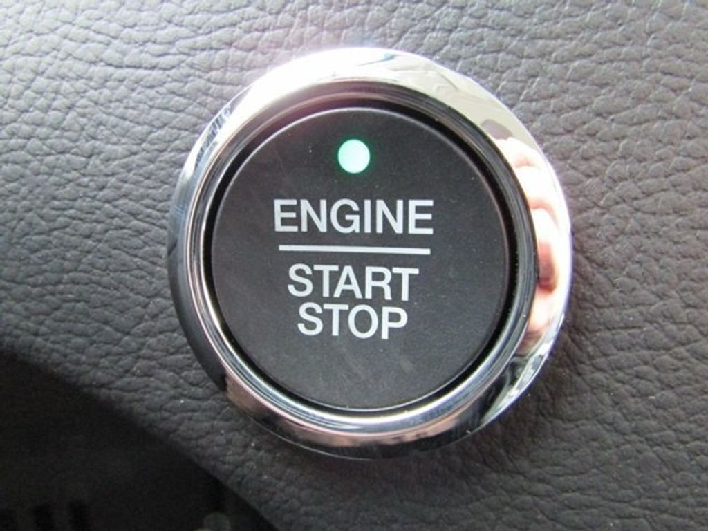 2018 Ford Edge Titanium AWD - 17353938 - 10