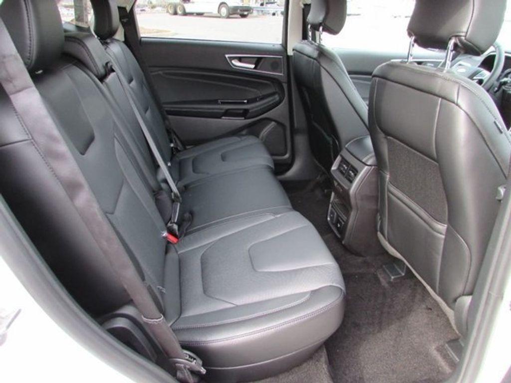 2018 Ford Edge Titanium AWD - 17353938 - 12