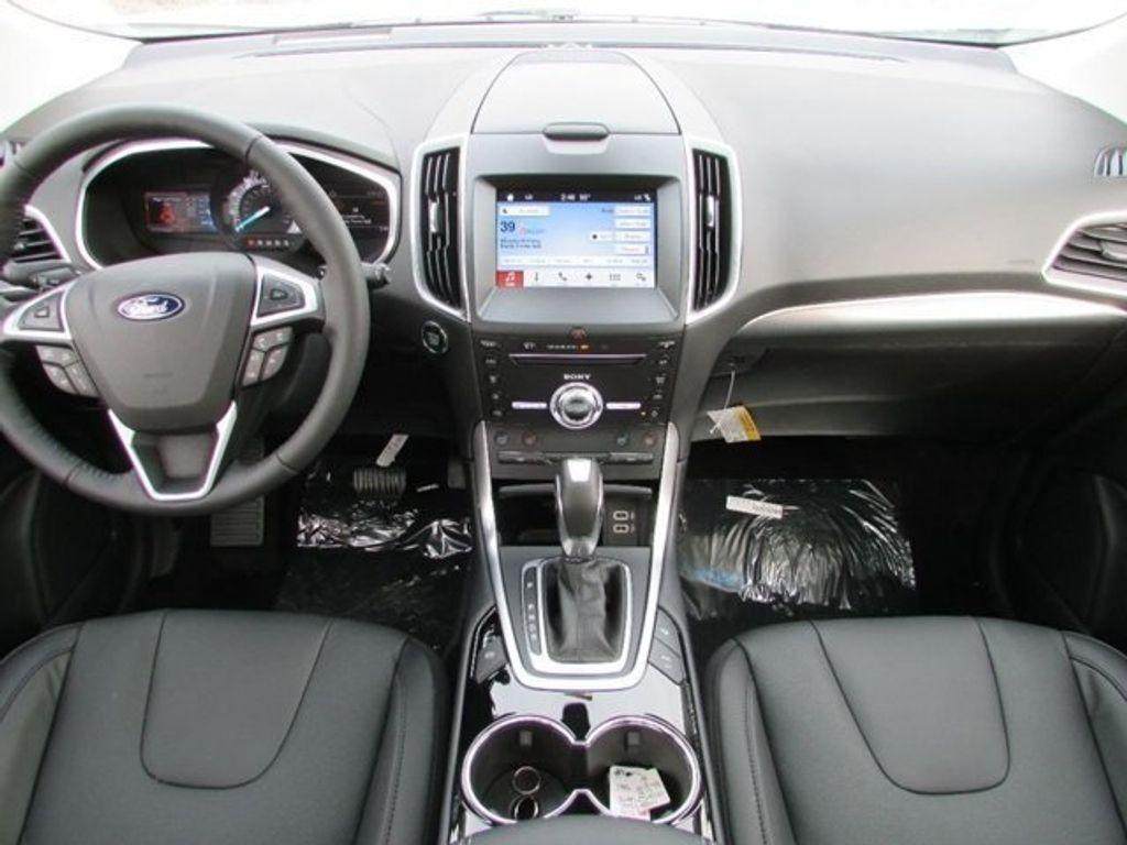2018 Ford Edge Titanium AWD - 17353938 - 22