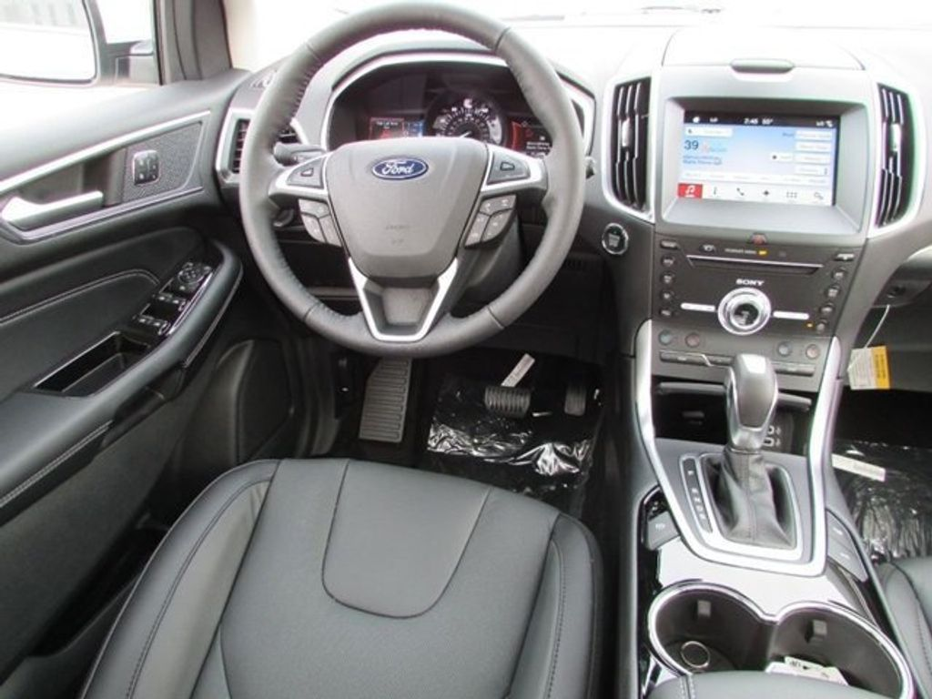 2018 Ford Edge Titanium AWD - 17353938 - 23