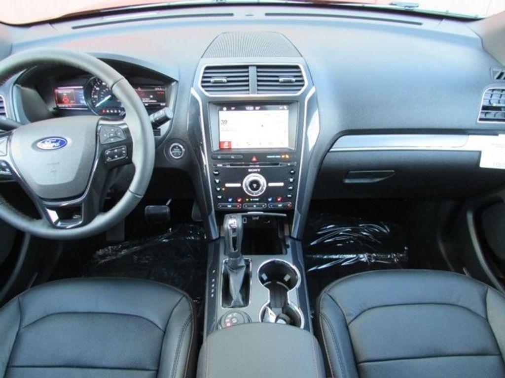 2018 Ford Explorer Sport 4WD - 17114652 - 25