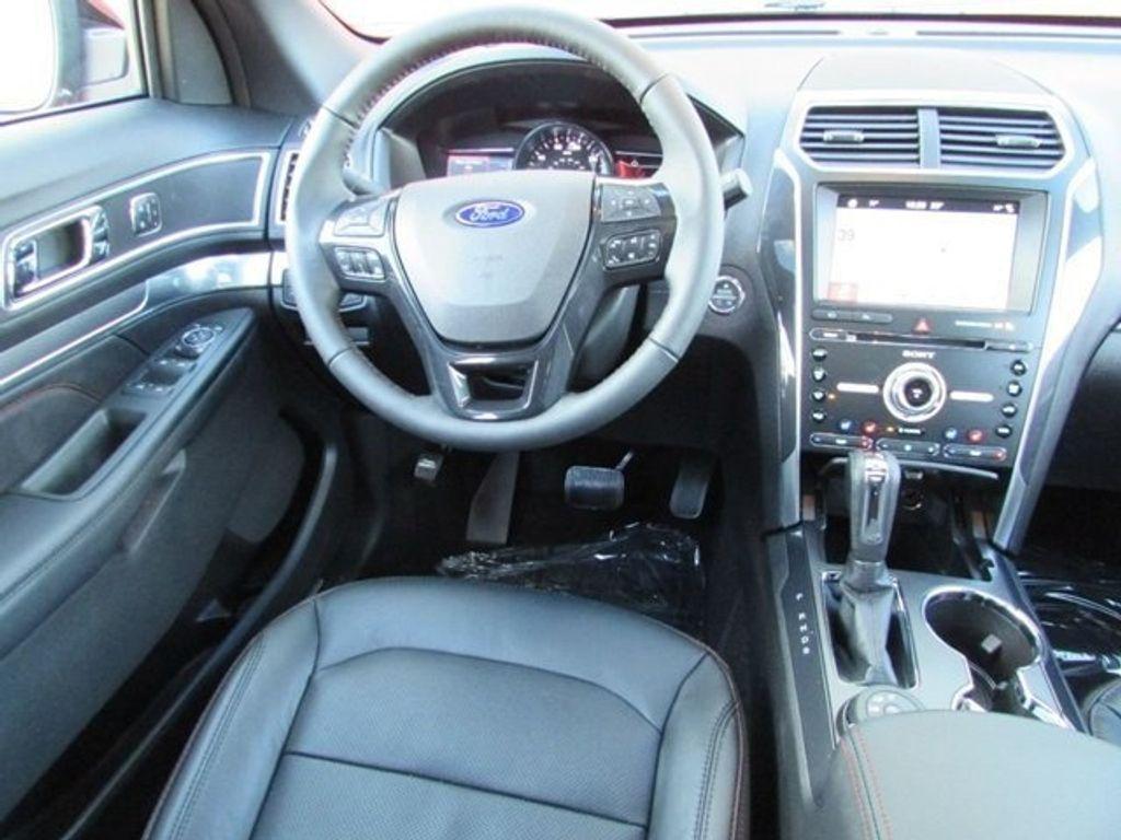 2018 Ford Explorer Sport 4WD - 17114652 - 26