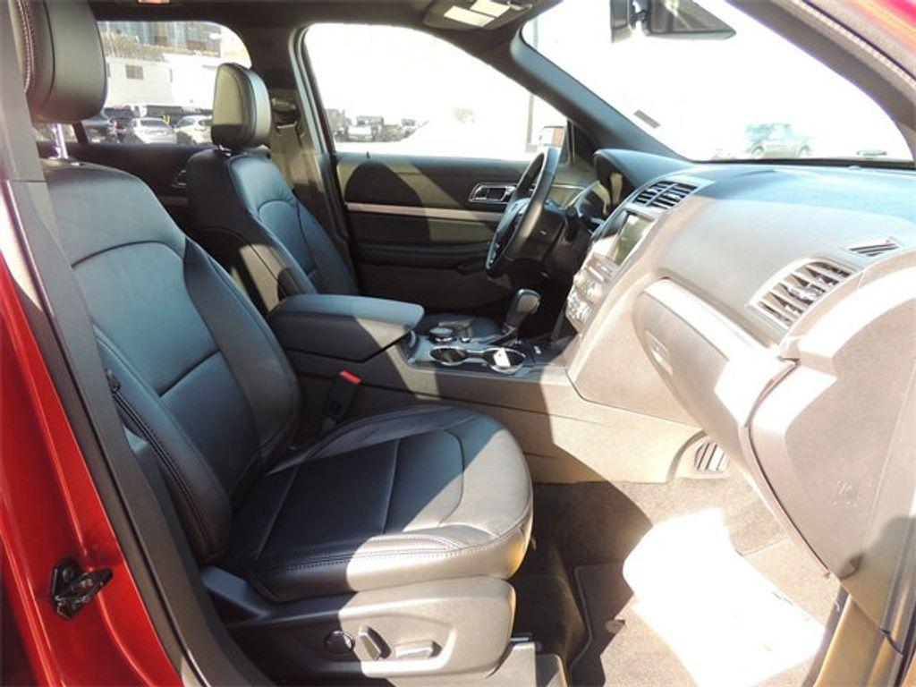 2018 Ford Explorer XLT 4WD - 17315122 - 16