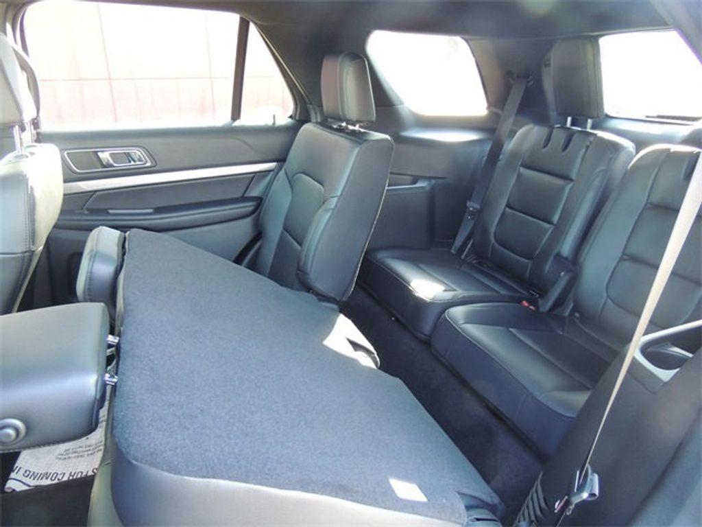 2018 Ford Explorer XLT 4WD - 17315122 - 22