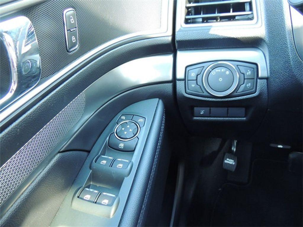 2018 Ford Explorer XLT 4WD - 17315122 - 28