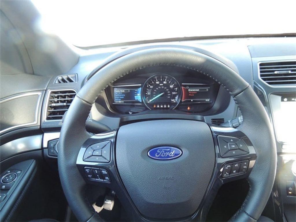 2018 Ford Explorer XLT 4WD - 17315122 - 29