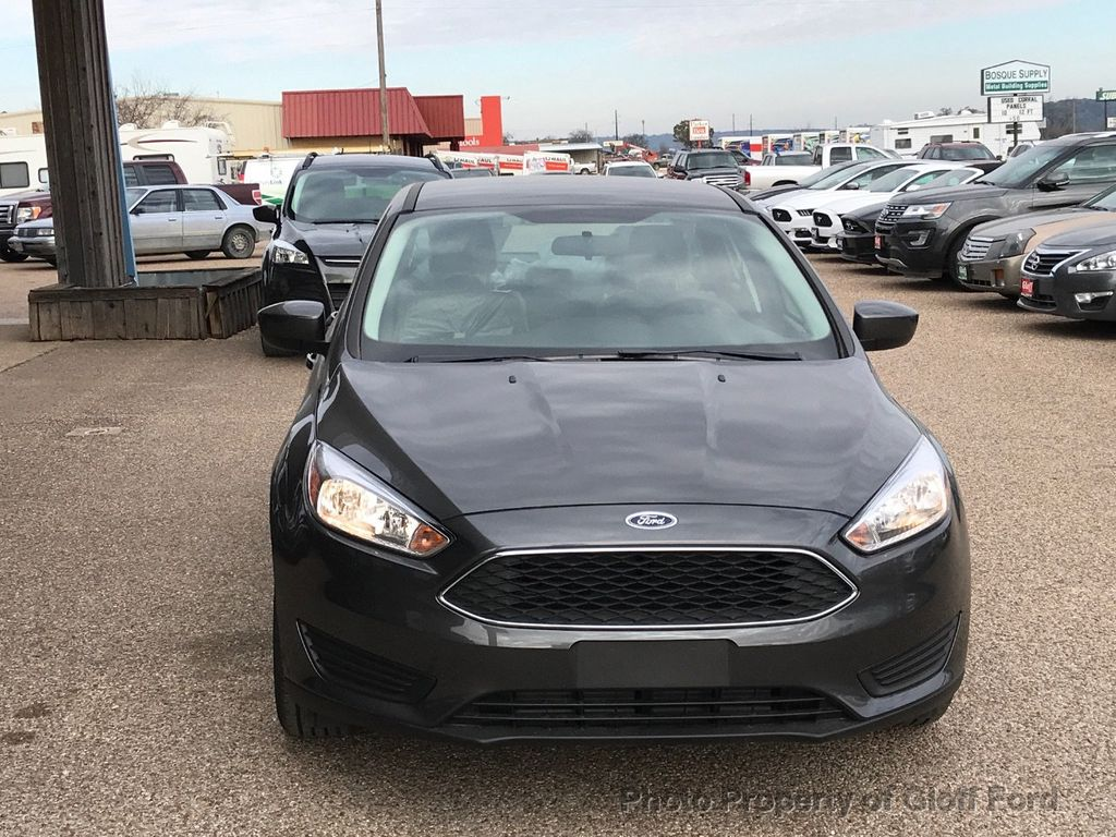 2018 Ford Focus SE Sedan - 17337791 - 2