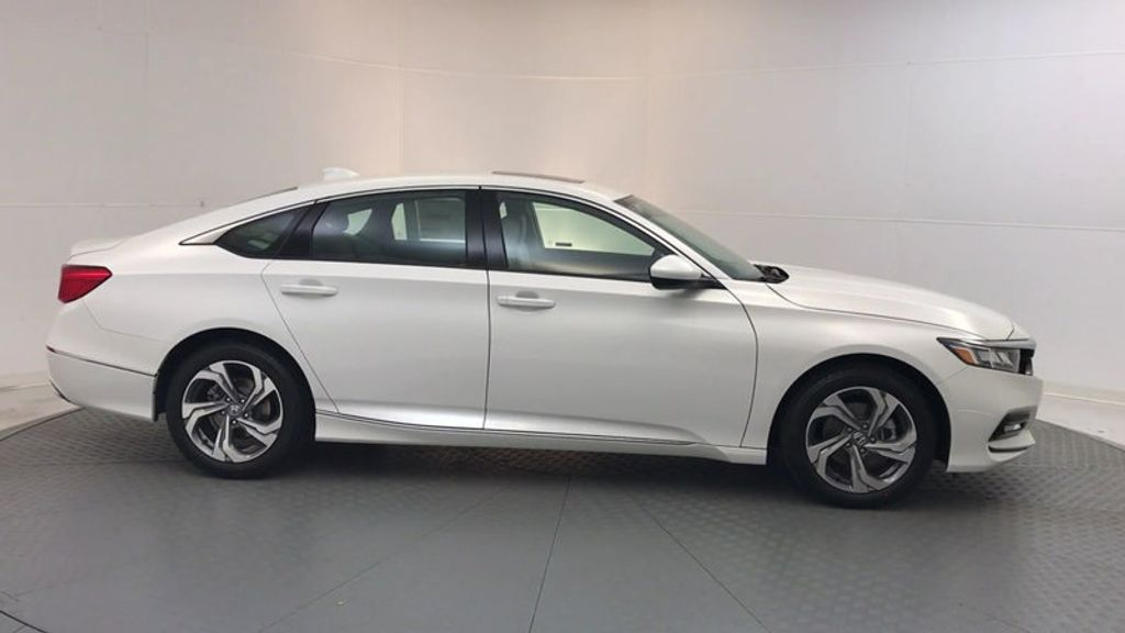 2018 Honda Accord Sedan EX CVT - 17634231 - 8