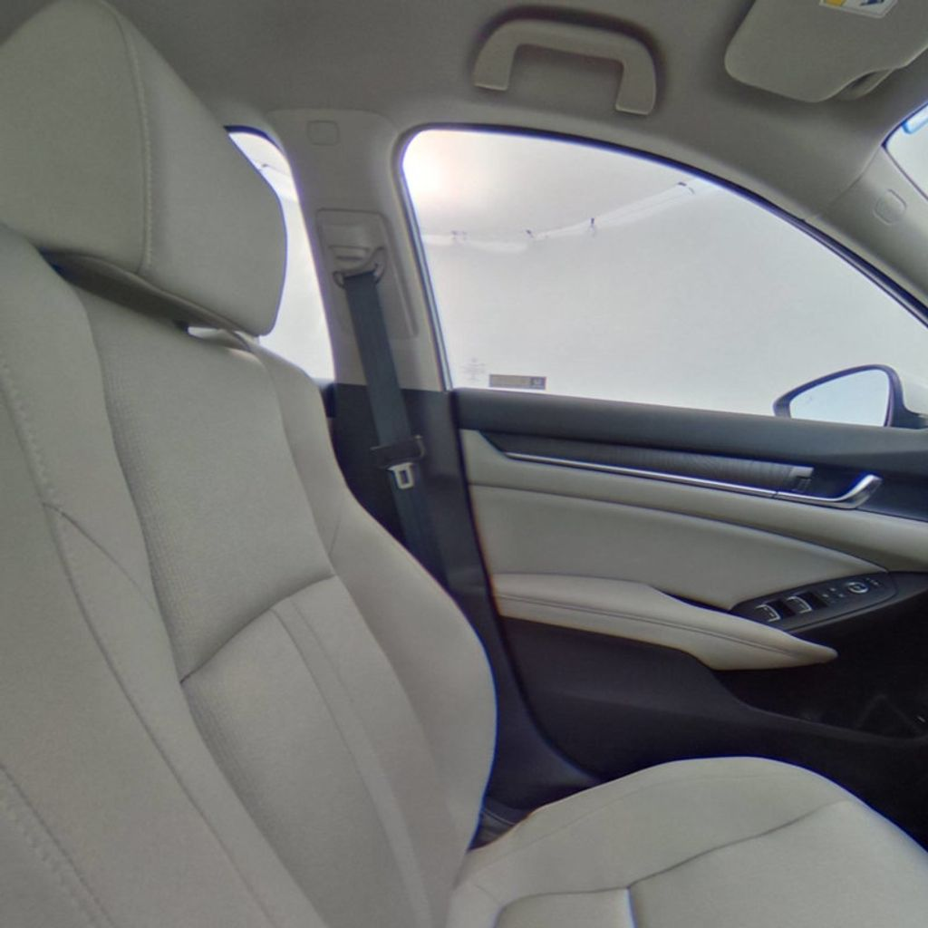 2018 Honda Accord Sedan EX CVT - 17708212 - 41