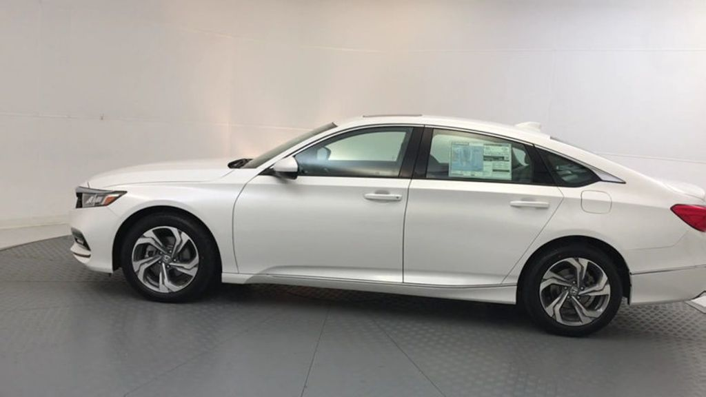 2018 Honda Accord Sedan EX CVT - 17708212 - 4