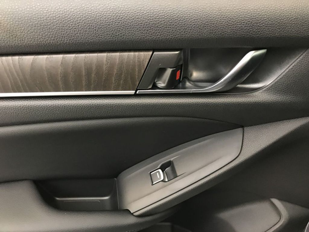 2018 Honda Accord Sedan EX-L CVT - 17528742 - 22