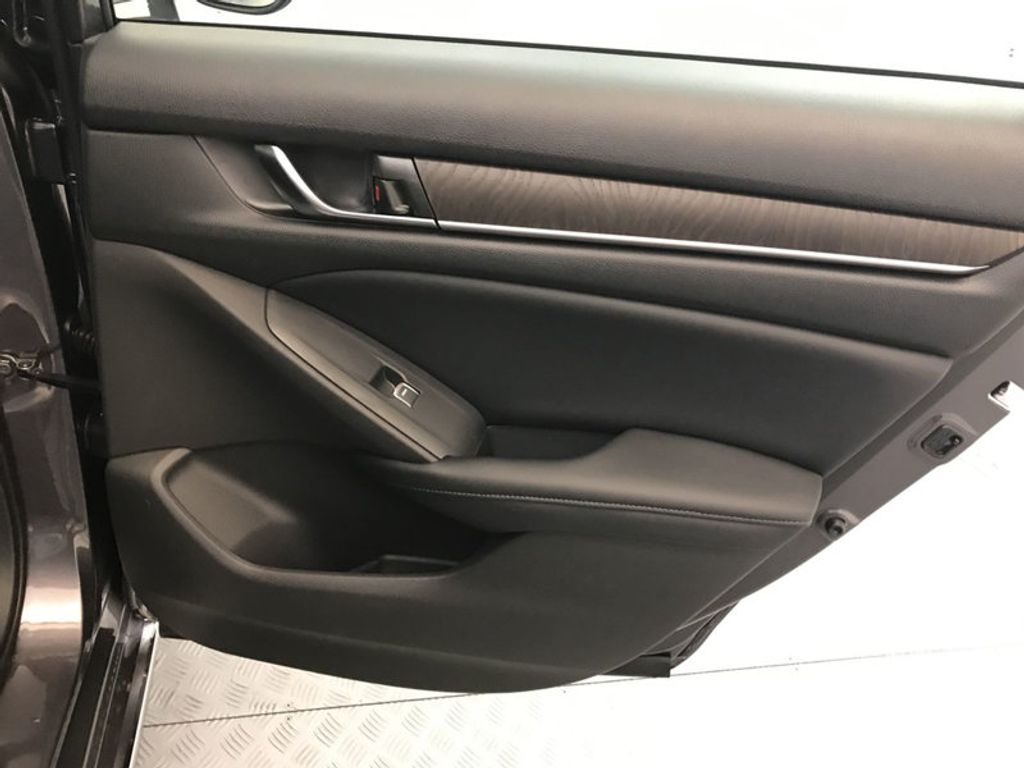2018 Honda Accord Sedan EX-L CVT - 17528742 - 24