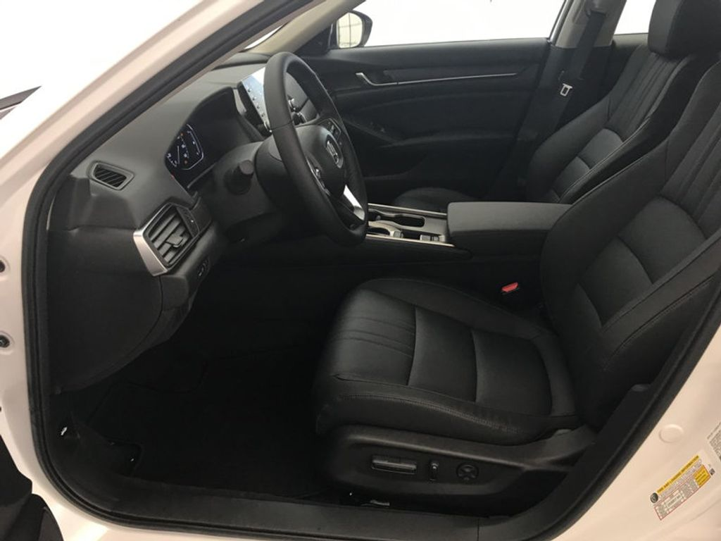 2018 Honda Accord Sedan EX-L CVT - 17535642 - 19