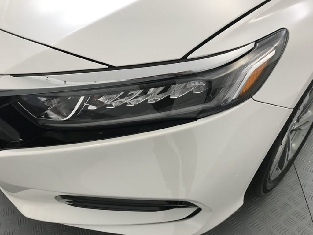 2018 Honda Accord Sedan EX-L CVT - 17776171 - 9