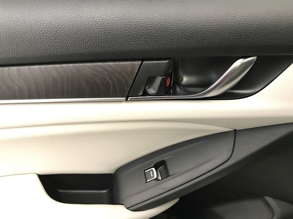 2018 Honda Accord Sedan EX-L CVT - 17776171 - 22