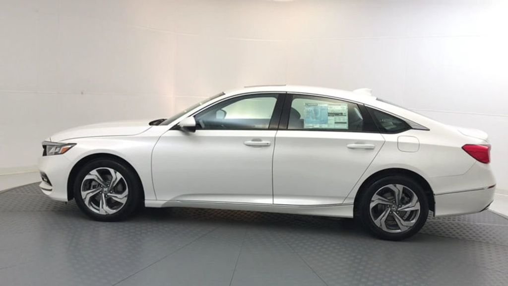 2018 Honda Accord Sedan EX-L CVT - 17776171 - 4