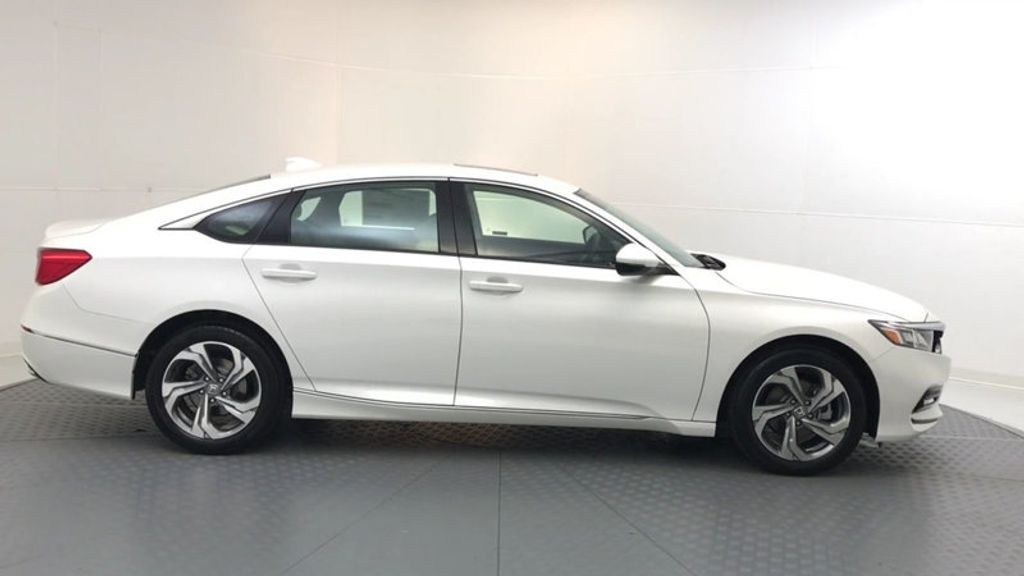 2018 Honda Accord Sedan EX-L CVT - 17776171 - 8
