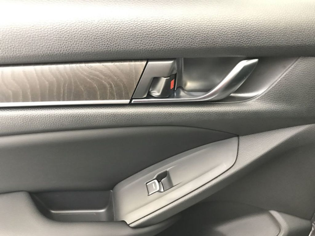 2018 Honda Accord Sedan EX-L CVT - 17812266 - 22