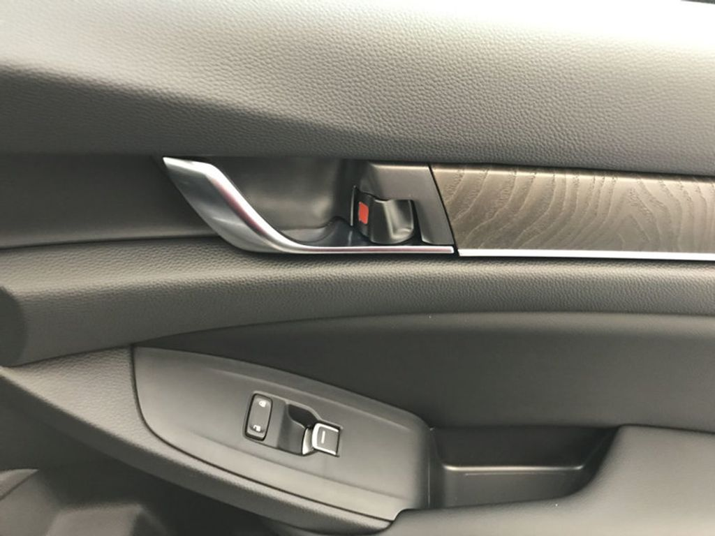 2018 Honda Accord Sedan EX-L CVT - 17812266 - 28