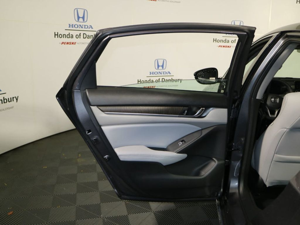 2018 Honda Accord Sedan EX-L Navi 2.0T Automatic - 17285125 - 9