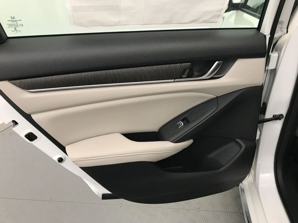 2018 Honda Accord Sedan EX-L Navi CVT - 17576071 - 21