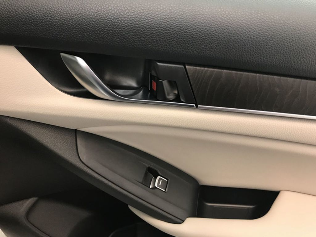 2018 Honda Accord Sedan EX-L Navi CVT - 17576071 - 25