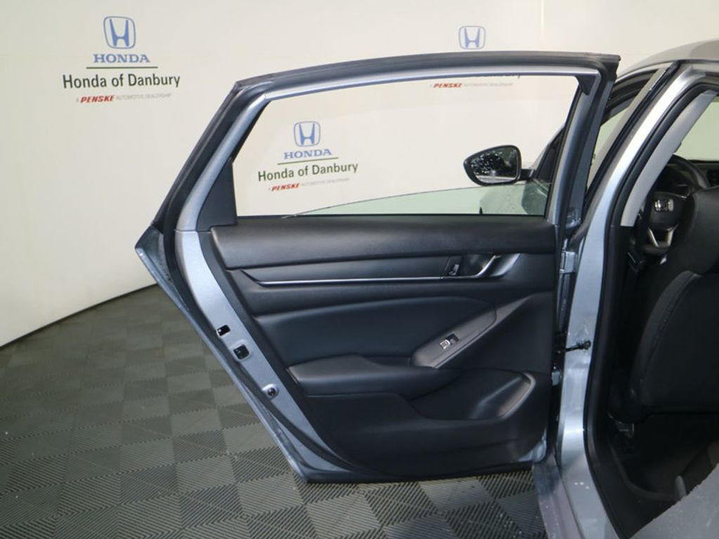 2018 Honda Accord Sedan LX CVT - 17233225 - 10
