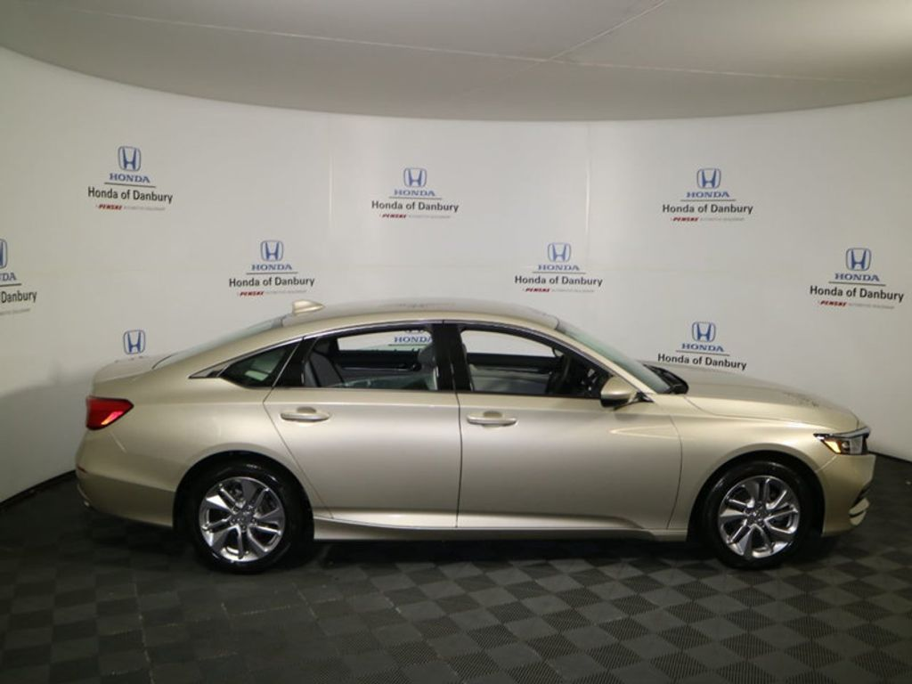 2018 Honda Accord Sedan LX CVT - 17432369 - 2