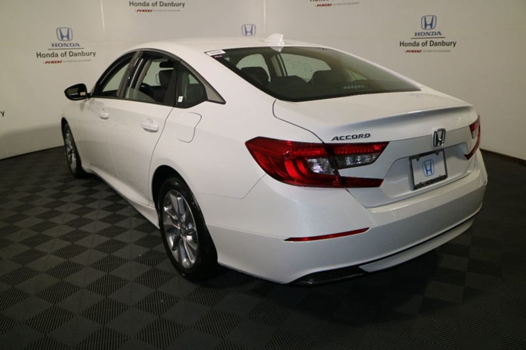 2018 Honda Accord Sedan LX CVT - 17602522 - 4