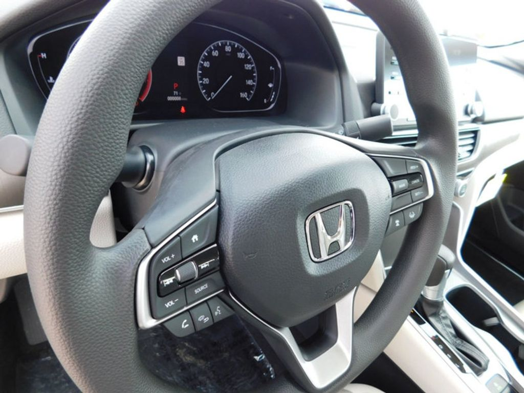 2018 Honda Accord Sedan LX CVT - 17503633 - 13