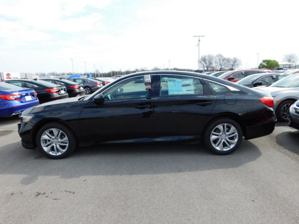 2018 Honda Accord Sedan LX CVT - 17503633 - 1