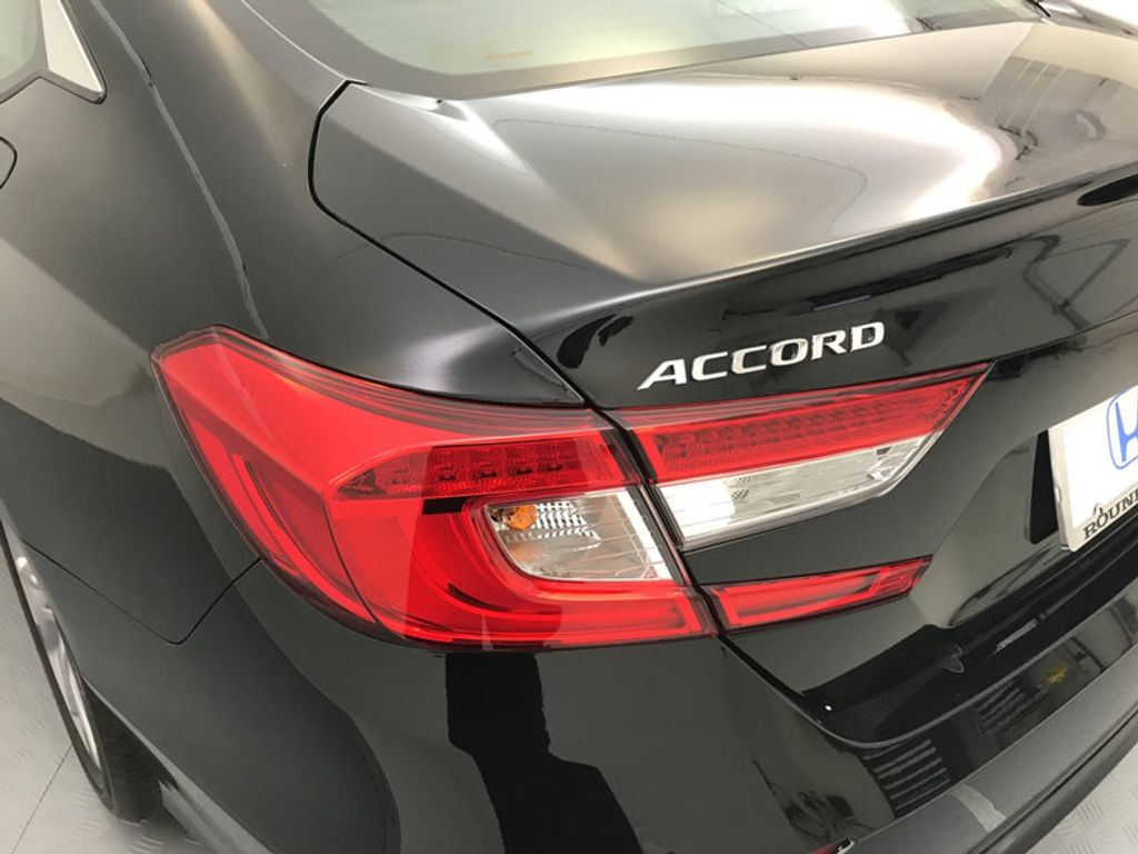 2018 Honda Accord Sedan LX CVT - 17079349 - 11