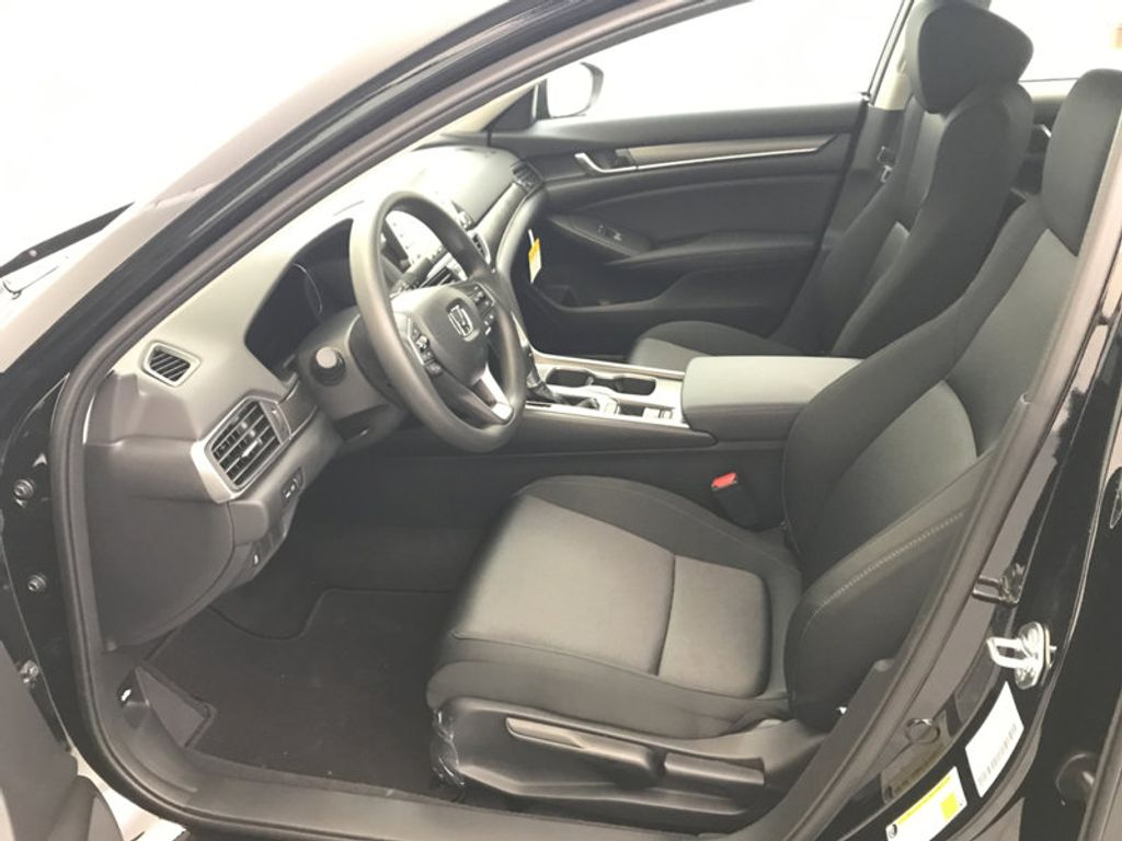 2018 Honda Accord Sedan LX CVT - 17079349 - 19
