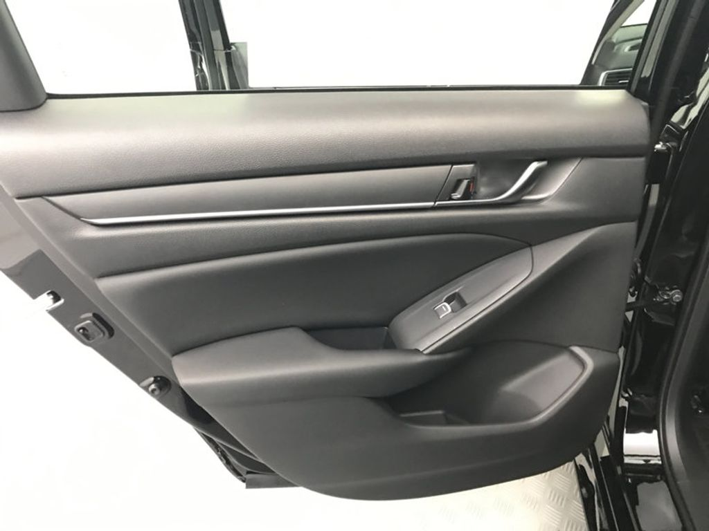2018 Honda Accord Sedan LX CVT - 17079349 - 21