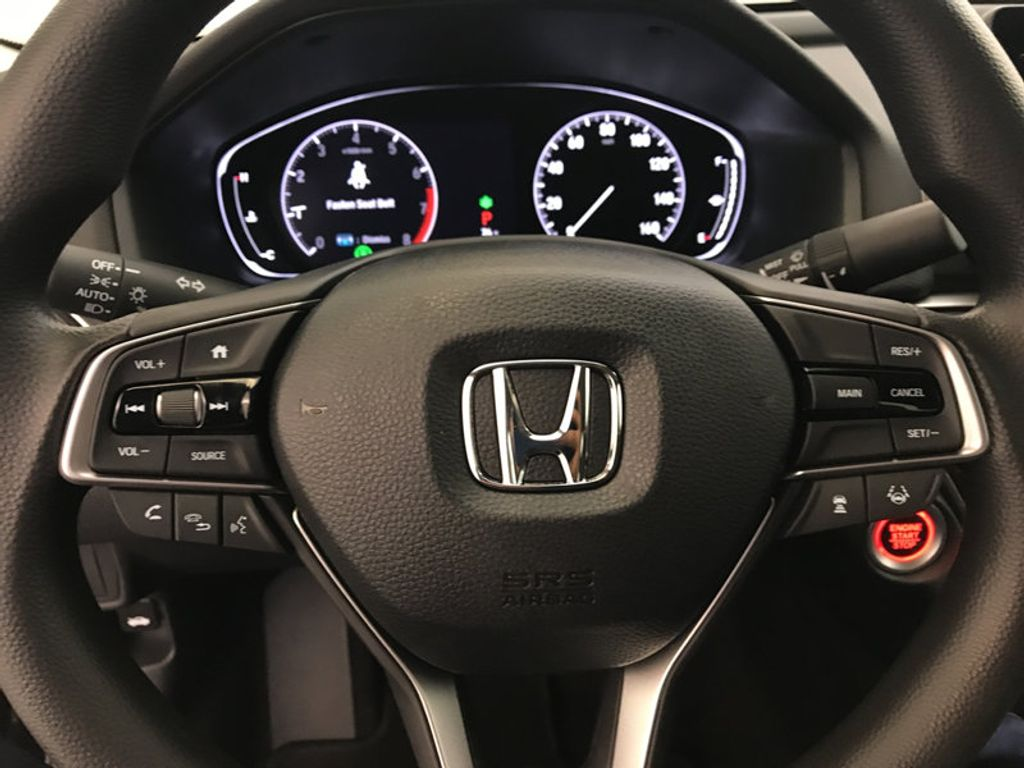 2018 Honda Accord Sedan LX CVT - 17079349 - 31