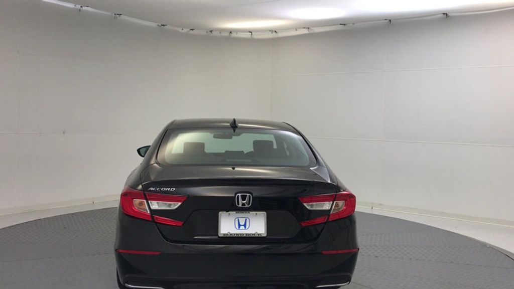 2018 Honda Accord Sedan LX CVT - 17079349 - 6