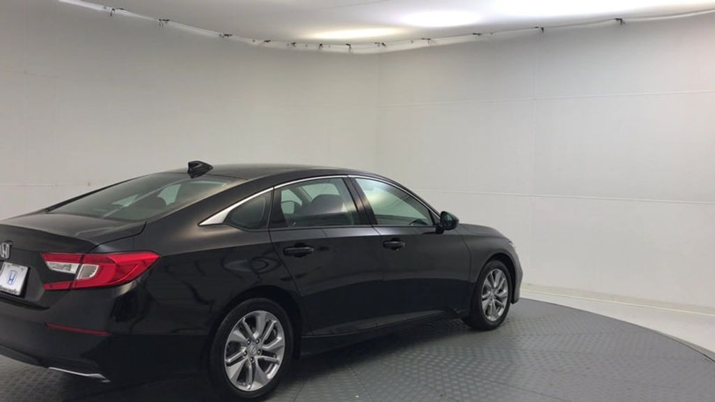 2018 Honda Accord Sedan LX CVT - 17079349 - 7