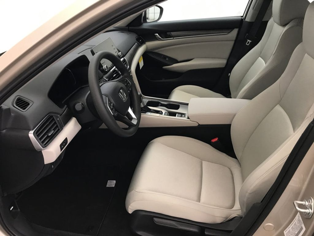 2018 Honda Accord Sedan LX CVT - 17091890 - 19