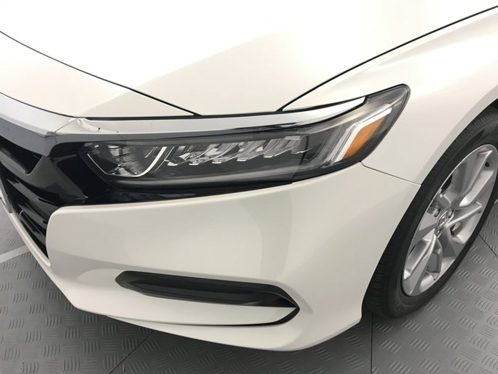 2018 Honda Accord Sedan LX CVT - 17138241 - 9