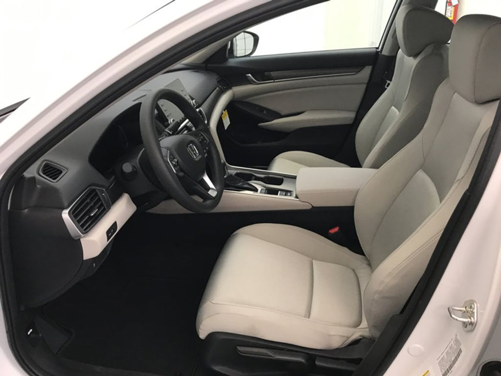 2018 Honda Accord Sedan LX CVT - 17138241 - 19