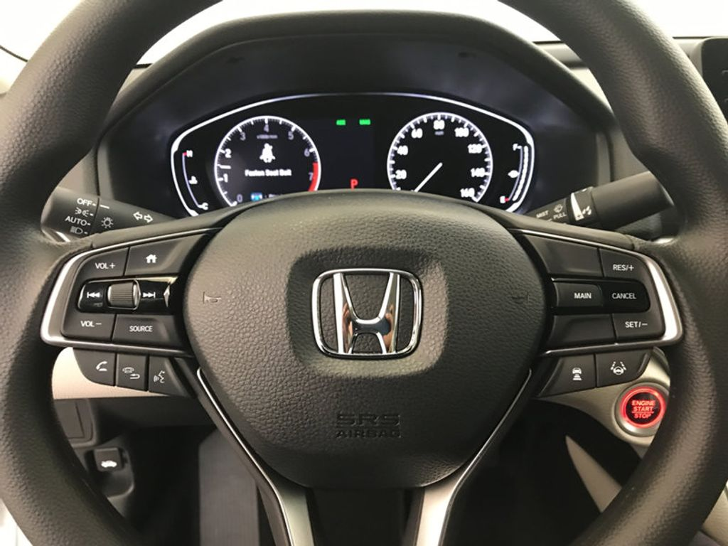2018 Honda Accord Sedan LX CVT - 17138241 - 31