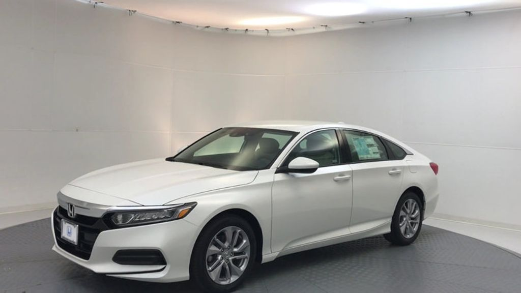 2018 Honda Accord Sedan LX CVT - 17138241 - 3