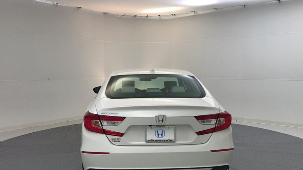 2018 Honda Accord Sedan LX CVT - 17138241 - 6