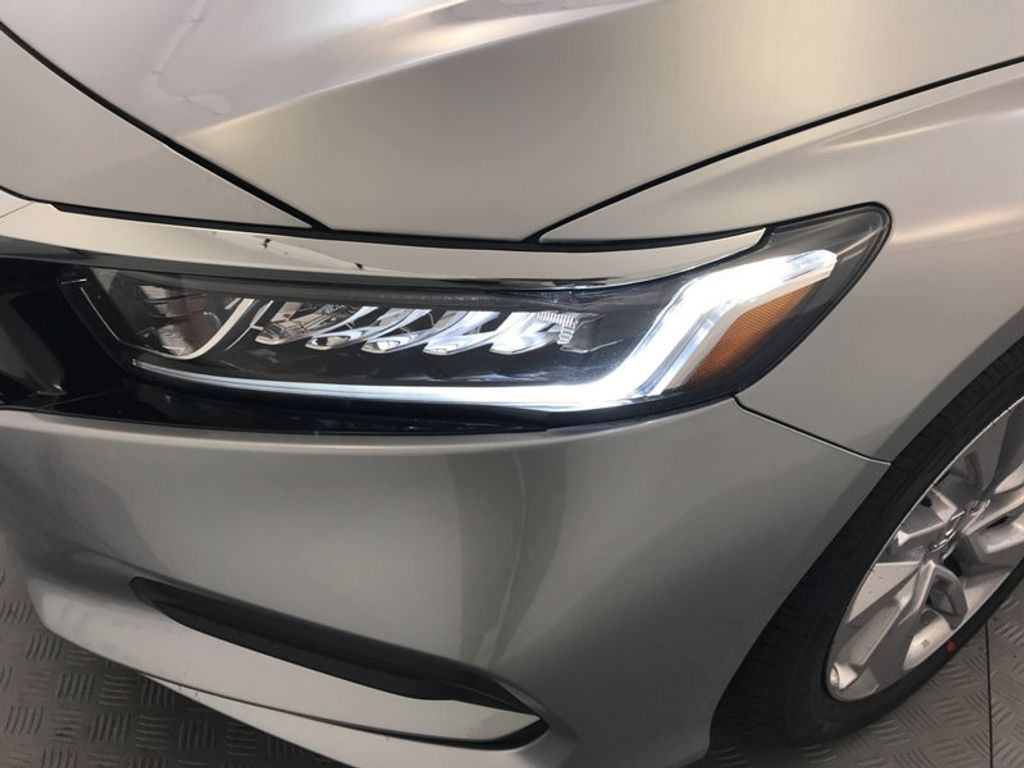 2018 Honda Accord Sedan LX CVT - 17261875 - 9