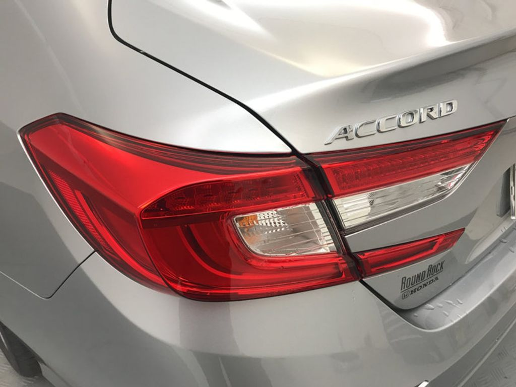 2018 Honda Accord Sedan LX CVT - 17261875 - 11