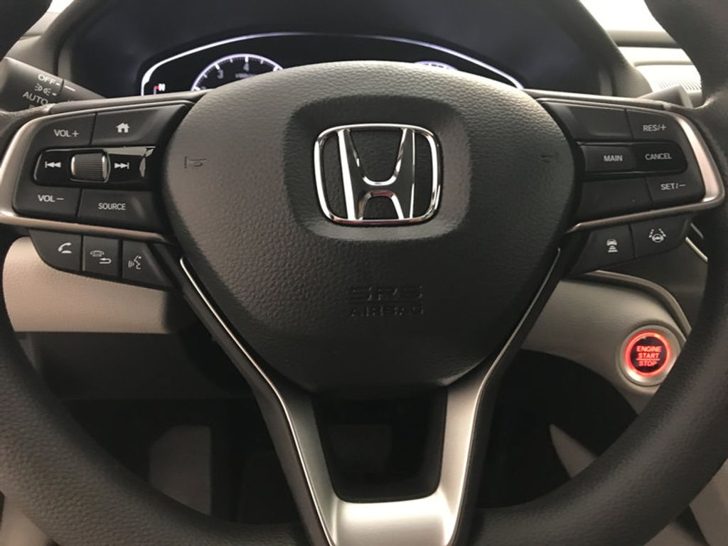 2018 Honda Accord Sedan LX CVT - 17261875 - 28
